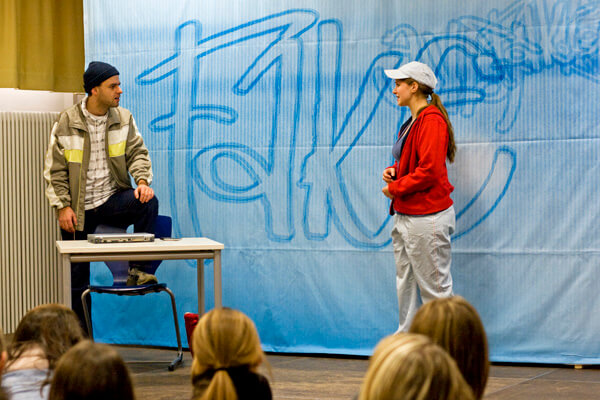 FAKE - Theaterstück für Klasse 8
