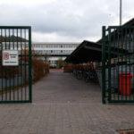 Das neue Schulhoftor: Gefängnisatmosphäre am DFG?