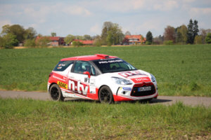 DFG-Schüler Manuel Lauer als Rallye-Co-Pilot