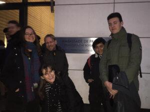 Camäléon devant l'ambassade de France